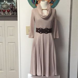 Signature Robbie Bee Beige Dress with Scarf Size S